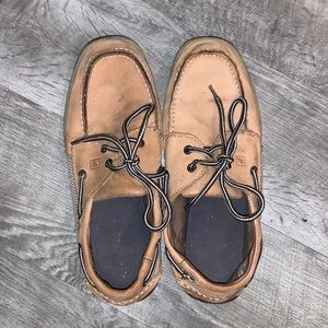 SPERRY BOAT SHOES SIZE 7 1/5 WOMEN